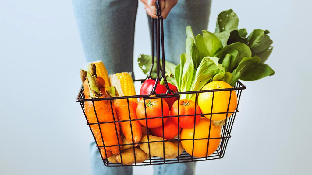 Spesa frutta verdura carrello