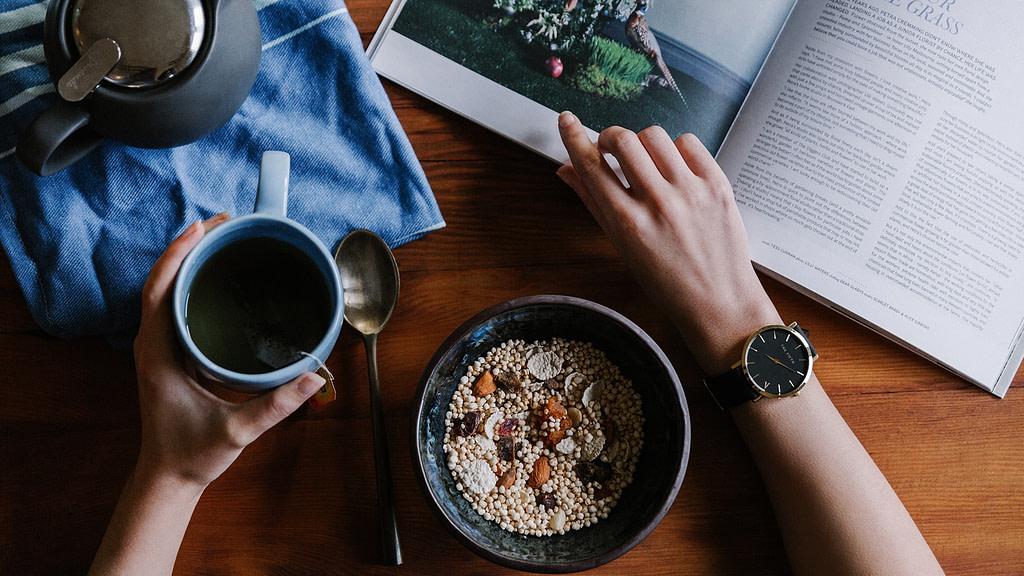 fabbisogno calorico pasto caffe